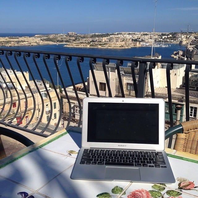 Laptop in Malta