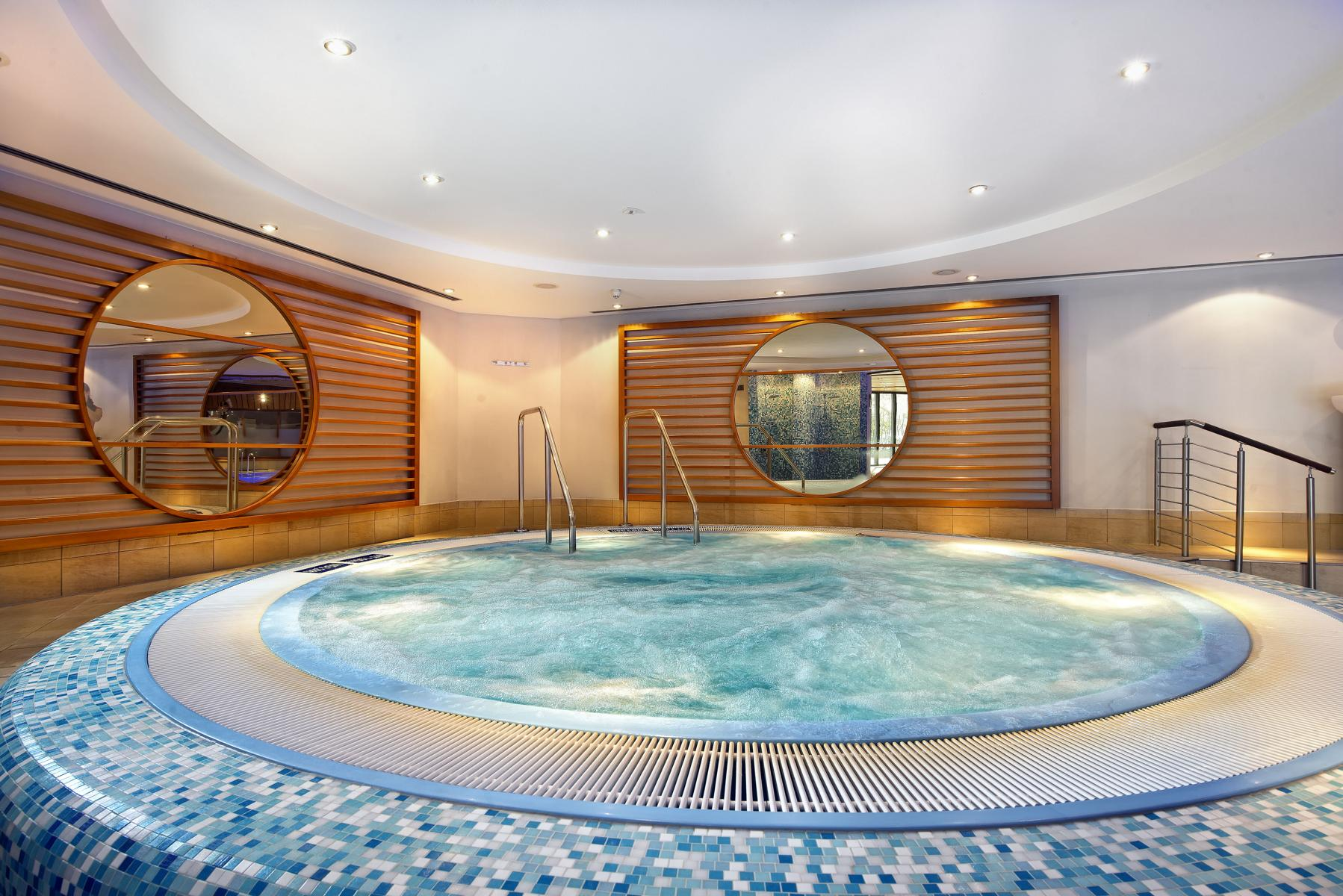 Intercontinental Berlin Whirlpool
