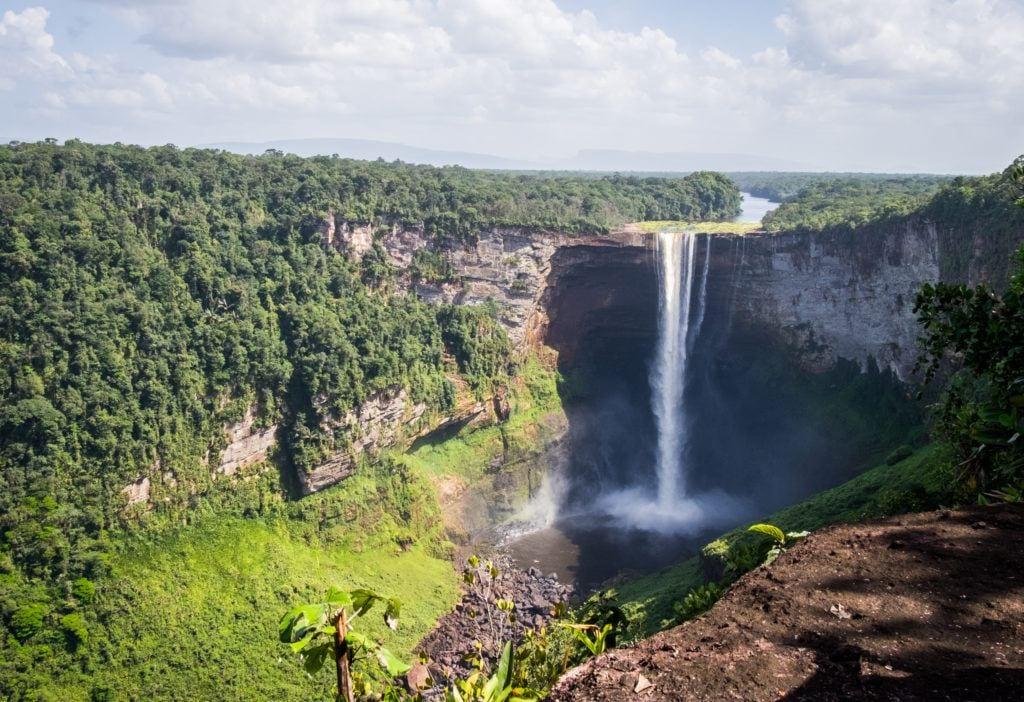 Kaietuer Falls