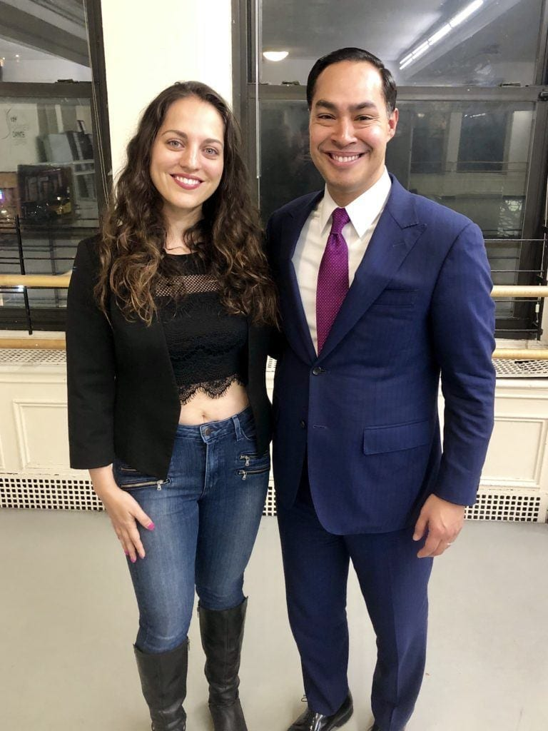Kate arm in arm with Julian Castro